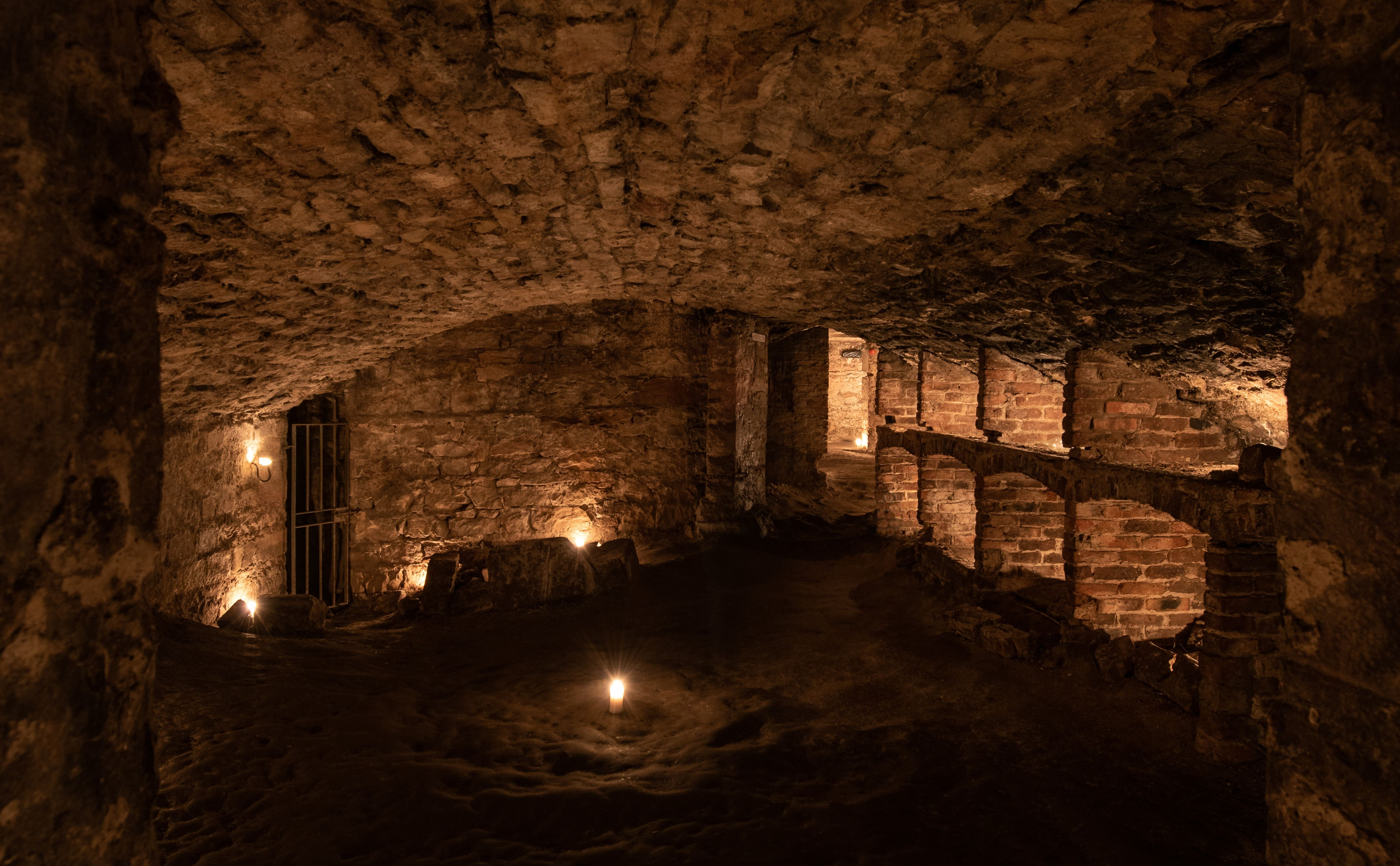 The History of Scotch Whisky and Edinburgh's Vaults